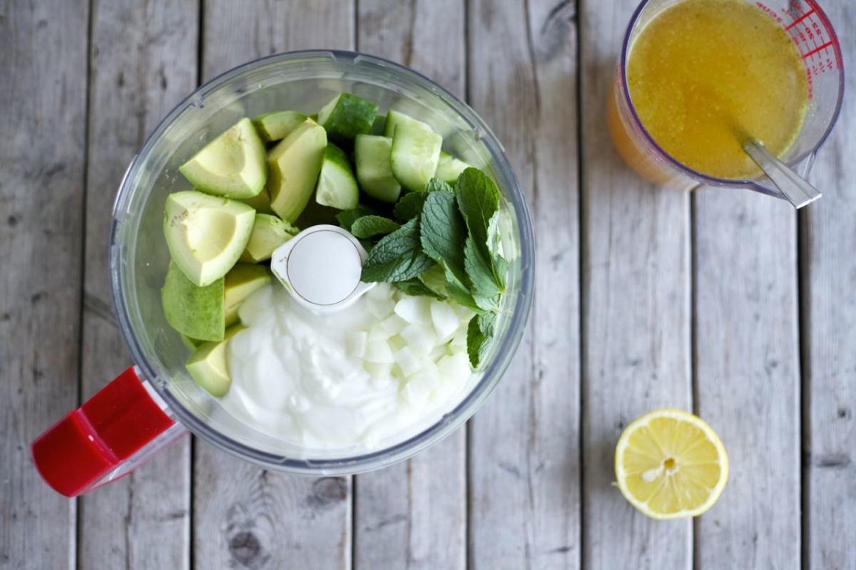 Refreshing Avocado & Cucumber Soup
